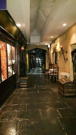 George and Pilgrims Hotel: 20180905_233855_large.jpg
