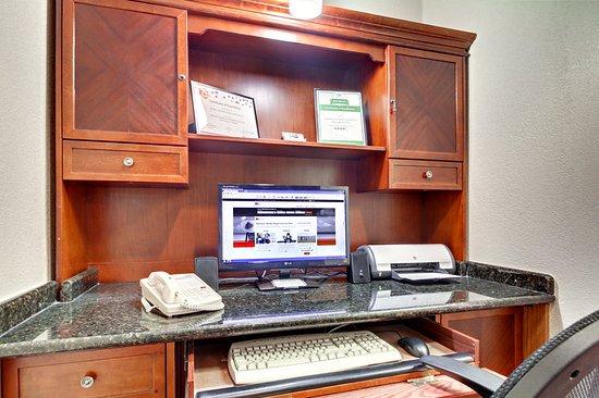 Marshfield, MO: Property amenity