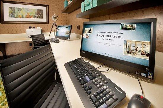 Hampton Inn & Suites Rockport - Fulton: Business center