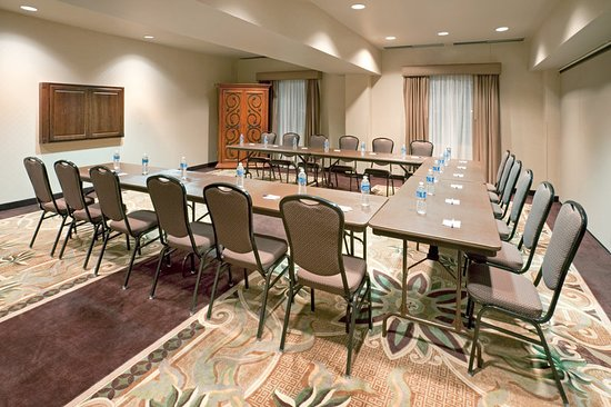 Holiday Inn Express Eagle Pass: Meeting room