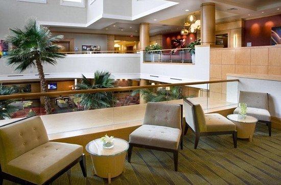 Embassy Suites by Hilton Houston - Energy Corridor: Lobby