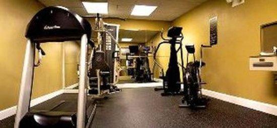 Wingfield Inn & Suites: Health club