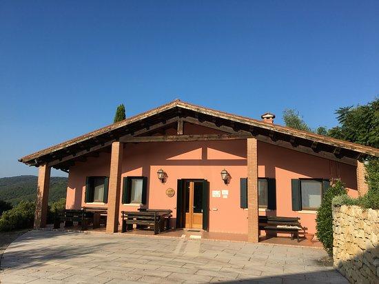 Villaga, Olaszország: Gebäude mit Frühstücksraum