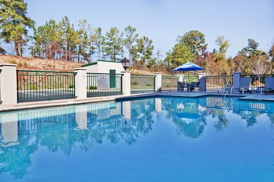 Holiday Inn Express Hotel & Suites Macon West: Pool