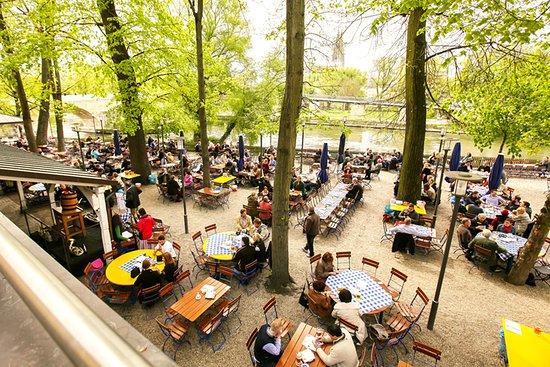 Foto De Spitalgarten Ratisbona Biergarten Mit Blick Auf Die Steinerne Brucke Tripadvisor