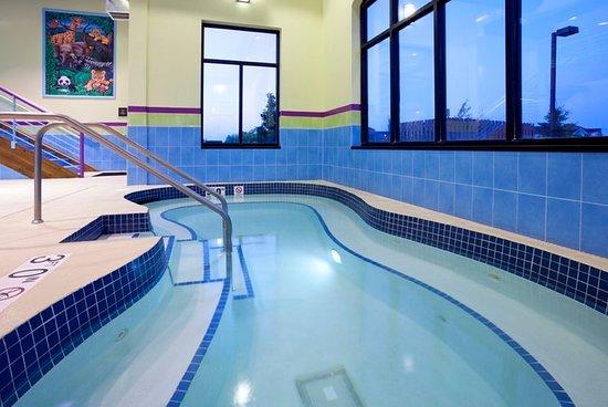 Rogers, MN: Pool