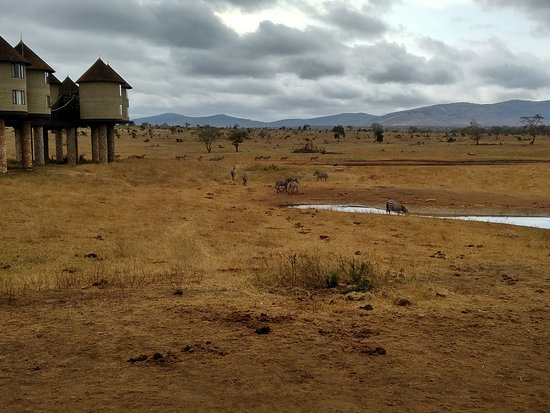 Tsavo, Kenya: Hotel from outside