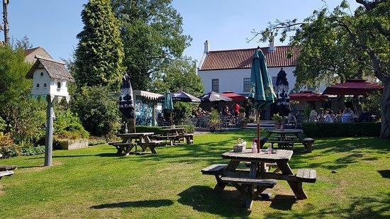 The Cadeby Pub & Restaurant