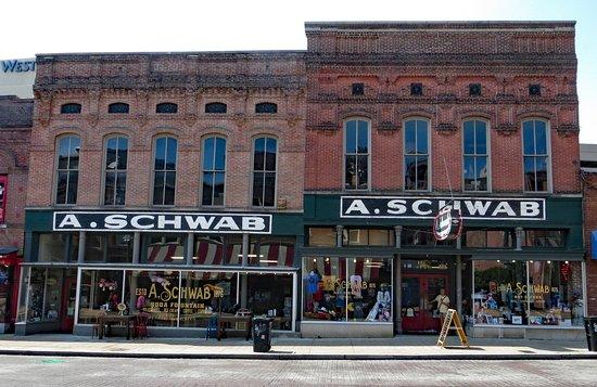 A. Schwab: Exterior