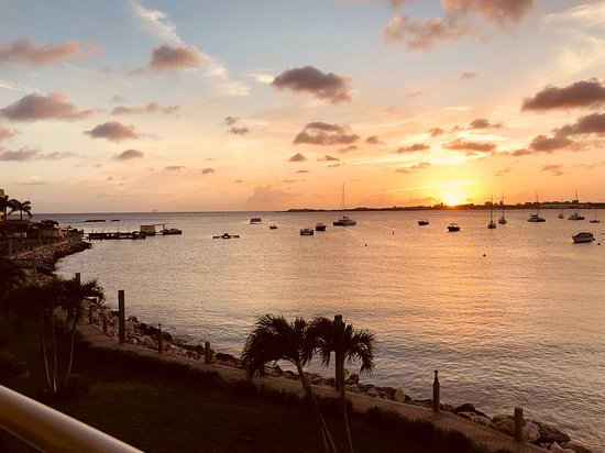 Simpson Bay Resort & Marina: View from our balcony