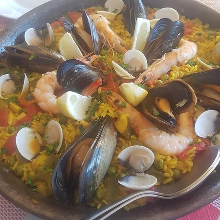 TED RISTOBAR: paella for 2