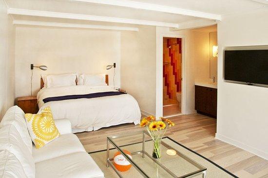 Sunset Beach: Guest room