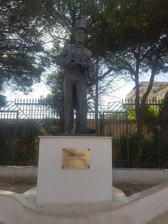 Monumento a Rino Gaetano Foto
