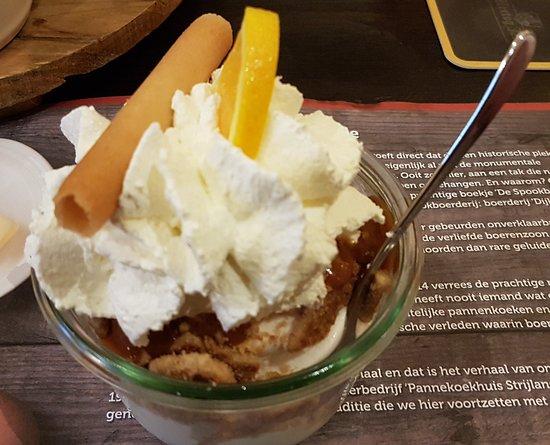 Brummen, Belanda: Vanilleijs met stroopwafel