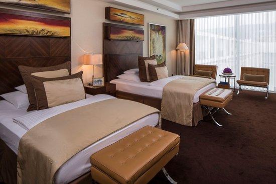 Falkensteiner Schlosshotel Velden: Guest room