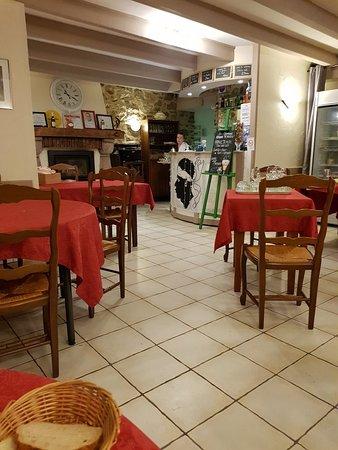Quettehou, Prancis: 20180901_232300_large.jpg