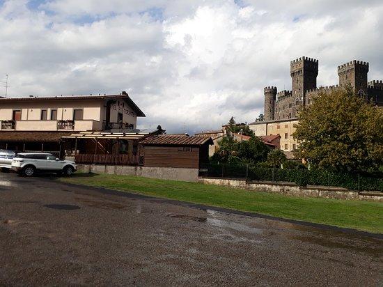 Torre Alfina, Italie : 20180907_171339_large.jpg