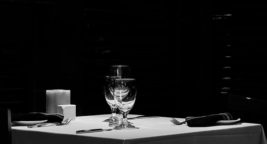 Edoardo's: Table setting in ambient light