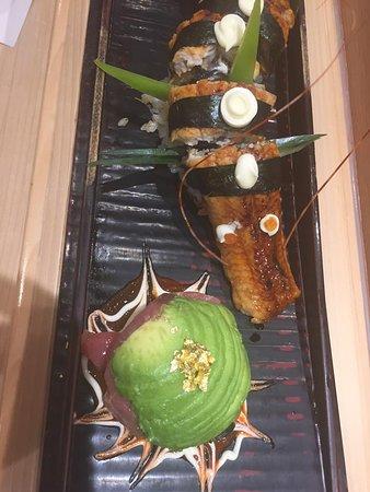 Katsumidori Sushi: Dragon roll