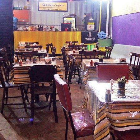 Ambiente super agradável, comida artesanal fresquinha e excelente localização.