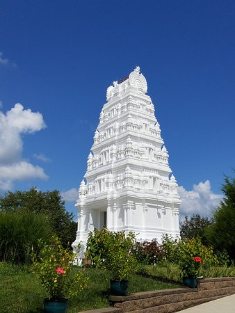 Beavercreek, OH: Gateway to Hindu Temple