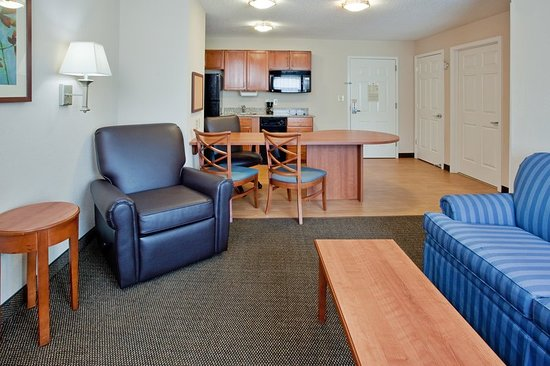 candlewood suites colonial heights 84 9 5 updated. Black Bedroom Furniture Sets. Home Design Ideas