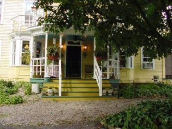 Saratoga Farmstead B&B: Exterior