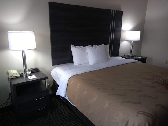 Quality Inn & Suites: Good mattress.
