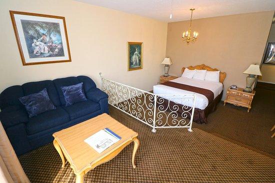 Masterpiece Hotel: Guest room