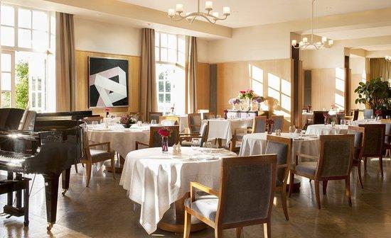Dogmersfield, UK: Restaurant