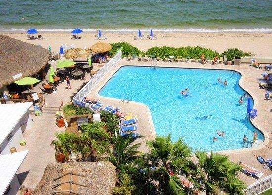 Ocean Manor Beach Resort Hotel: Lobby
