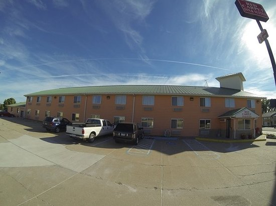 North Sioux City, SD: Exterior