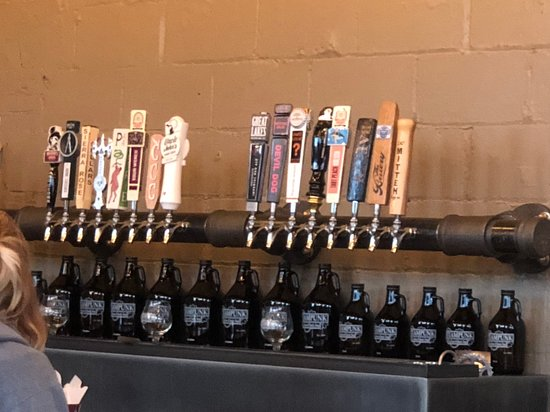 Steampunk Tap Room: Beer selection