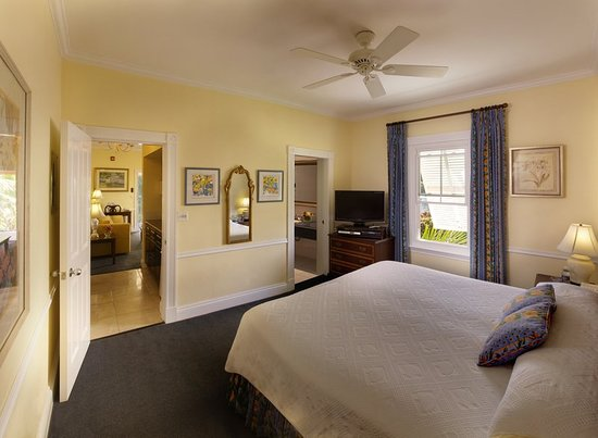 Royal Palms Hotel: Guest room
