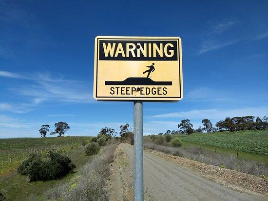 Riesling Trail: Beware steep edges