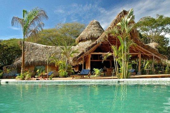 El Sabanero Eco Lodge: Exterior