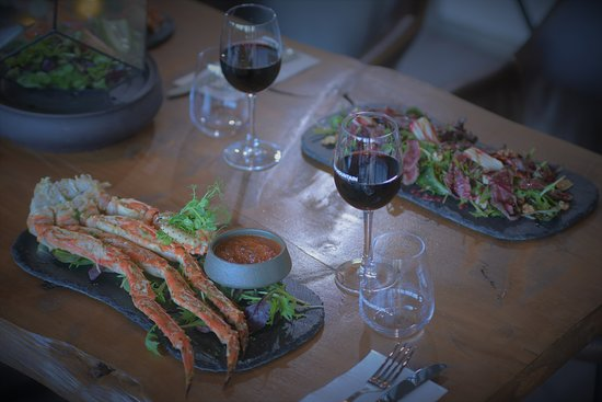 North Shore, Selandia Baru: Claw Mountain's Signature dish - King Crab marinated in cajun butter
