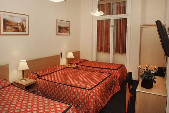 Chrysos Hotel: Guest room