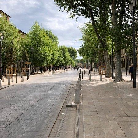 Cours Mirabeau: photo1.jpg