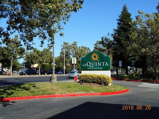 La Quinta Inn & Suites Oakland - Hayward Photo