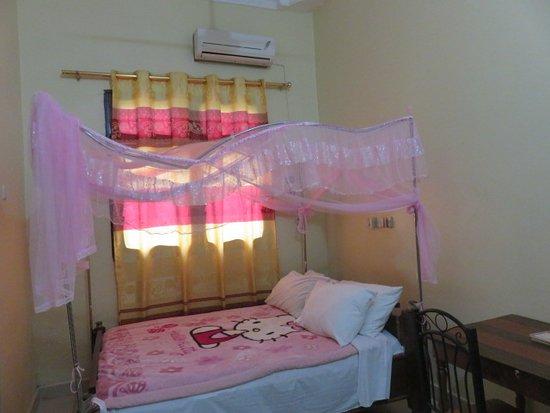 Mtwara, Tanzânia: なぜか、キティちゃんの毛布。