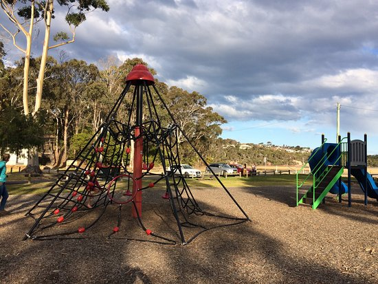 Merimbula, Australia: Park by the lake