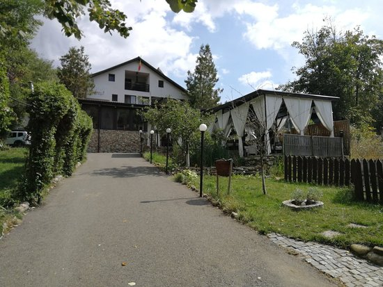Sarata Monteoru, Romania: Tara Luanei