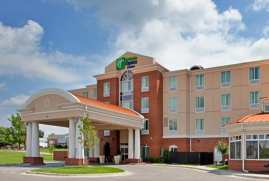 Holiday Inn Express Hotel & Suites Kansas City - Grandview: Exterior