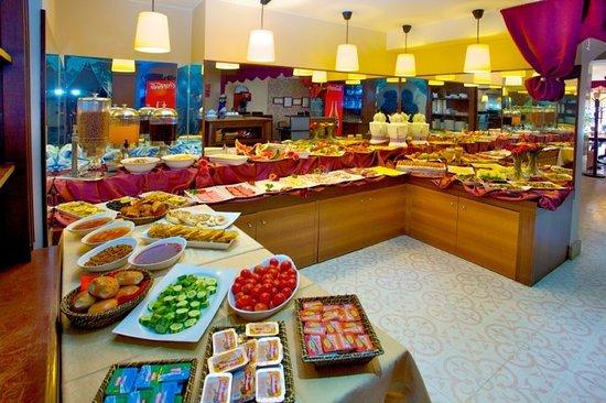Raymond Hotel: Restaurant