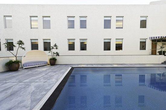Aloft Coimbatore Singanallur: Pool