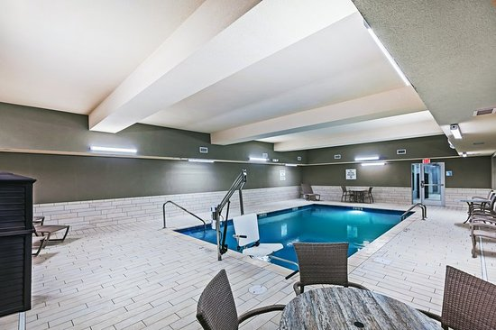 Coffeyville, KS: Pool