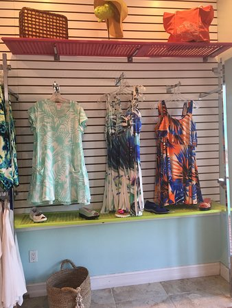 Saint James City, FL: Island Time Fashions. I love shopping here!