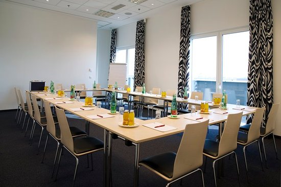 Pannonia Tower Hotel Parndorf: Meeting room