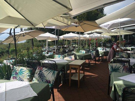 Seebruck, ألمانيا: Außenbereich des Restaurants